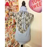 画像1: ネットを騒がせ「例のセーター」と呼ばれている服の「ブルー」がヴィレヴァンで発売開始!