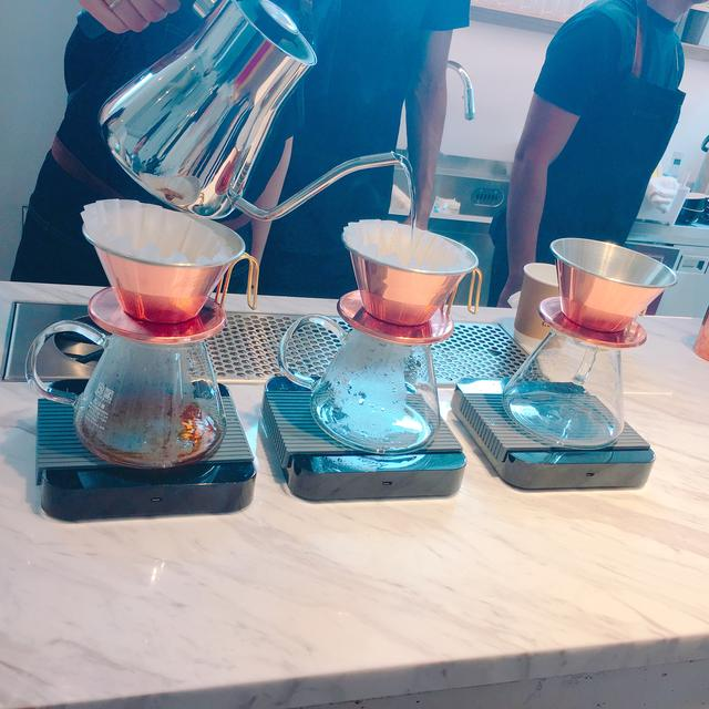 画像: ハンドドリップで丁寧に淹れられたコーヒーを堪能できます。