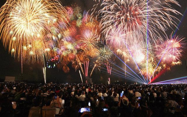 画像3: 夏一番花火大会18,000発の大花火と音楽のコラボレーション!