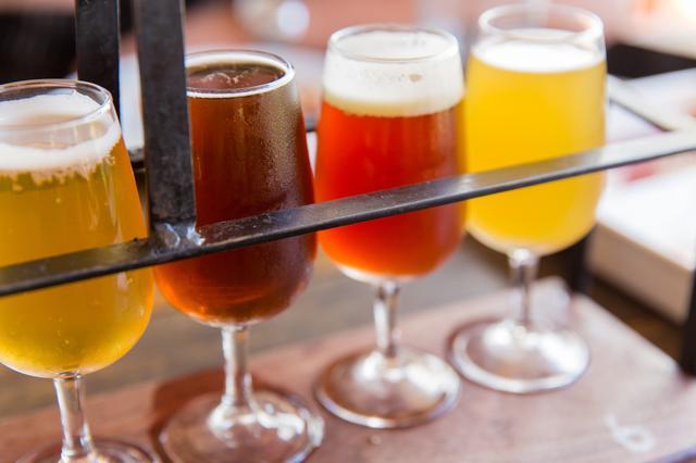 画像: ワインボトルビュッフェが楽しめる! スタンダード フリードリンクプラン 2,000円 赤・白6種類のワインビュッフェ、ビール、カクテル、ハイボール、サワー、ソフトドリンク各種。