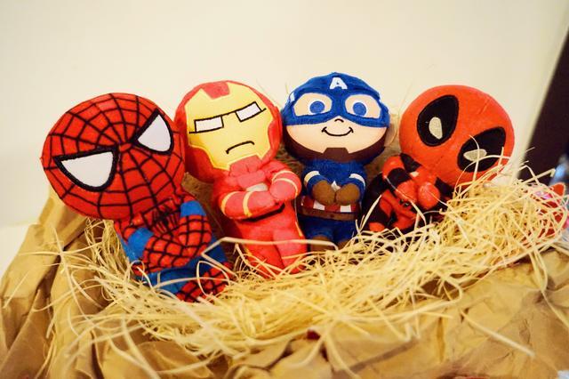 画像: (左から)スパイダーマン、アイアンマン、キャプテン・アメリカ、デッドプール