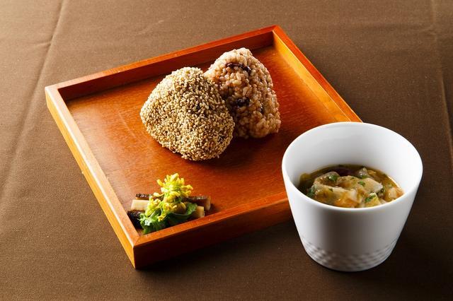画像: 柳澤厚生先生監修の発芽玄米おにぎり
