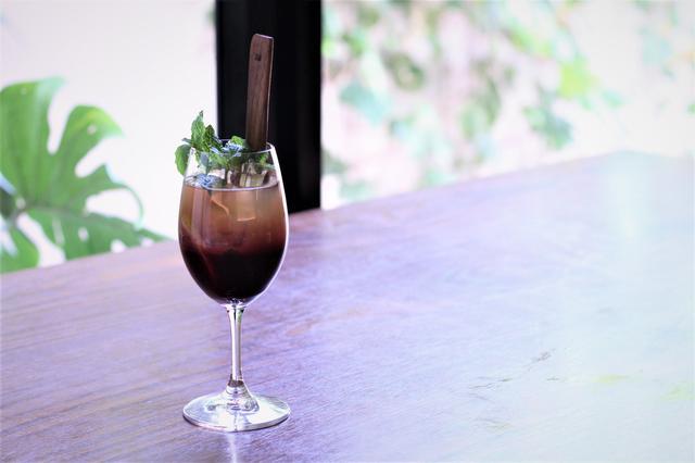画像: 「クランベリー100と緑茶のノンアルコールモヒート」918円(税込)期間中毎日提供