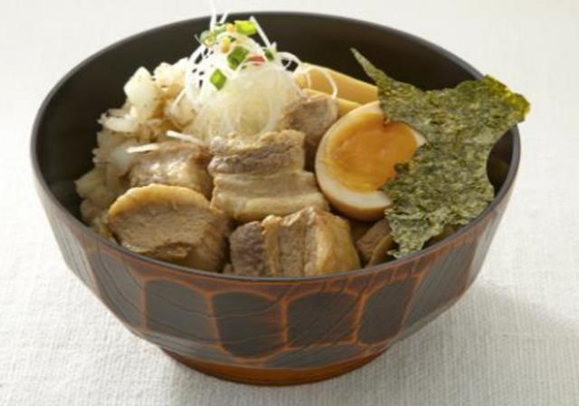 画像: 千葉大学千葉大らぁ麺ごはん(1 人前) 980 円