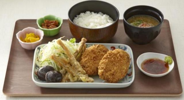 画像: 静岡県立大学イズシカめんち定食(1 人前) 1,200 円