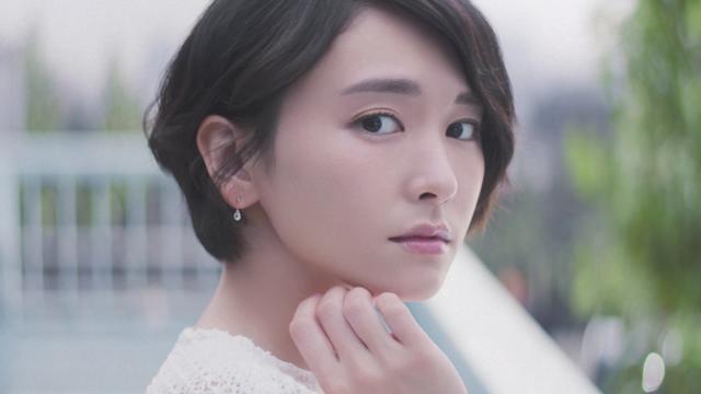 画像3: カメラマンになりきった透明感溢れる新垣結衣さんの動画公開!