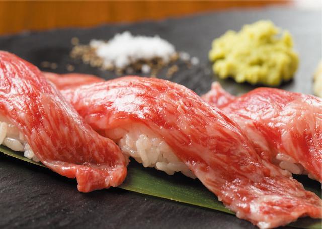 """画像1: """"A5ランク黒毛和牛""""や肉寿司を堪能しよう!"""