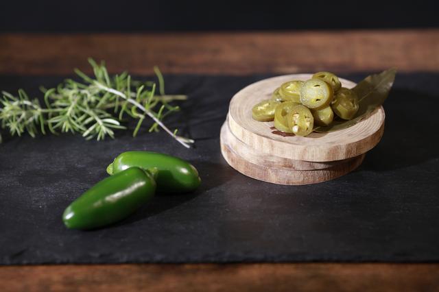 画像4: 素材そのものの味を引き出した材料でつくる『TREE by NAKED marunouchi』のホットドッグ