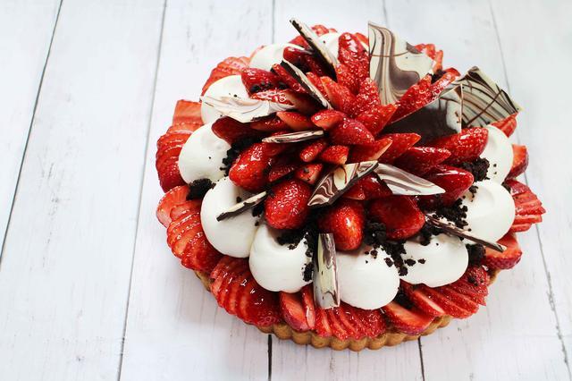 画像: ロッシェフレーズ-いちごとチョコクッキーのケーキ-(ベース:アマンディーヌ)