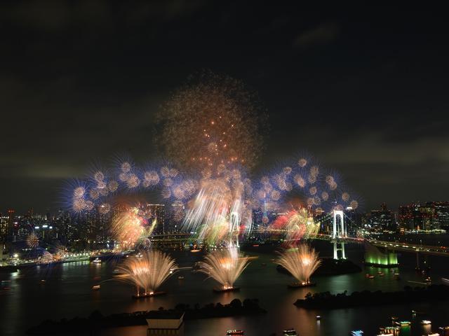 画像1: 世界初の究極の未来型花火エンターテインメント「STAR ISLAND」開催!