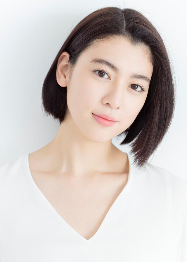 画像: 三吉彩花 モデルとして雑誌『SEVENTEEN』で活躍し、10代、20代の女子から人気を誇る。日本テレビ『メレンゲの気持ち』のMCに抜擢されるなど活躍の場を広げている。