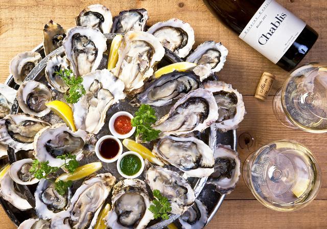 画像: 生牡蠣は常時15種以上!本場ニューヨークスタイルのオイスターバーを東京・新宿で気軽に楽しめる!