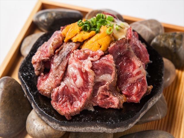 画像: 国産牛ロースの炭火焼き 1,980円