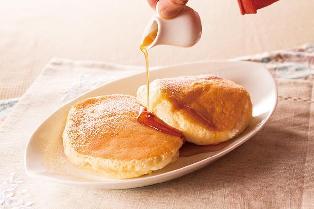 画像: ・むさしの森珈琲特製 ふわっとろパンケーキ 税別580円 注文ごとにメレンゲを立て焼き上げるむさしの森珈琲でしか味わえない一品です。