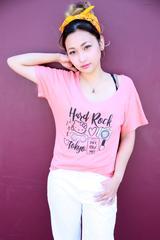 画像4: 「ハードロックカフェ」×「ハローキティ」のコラボTシャツ