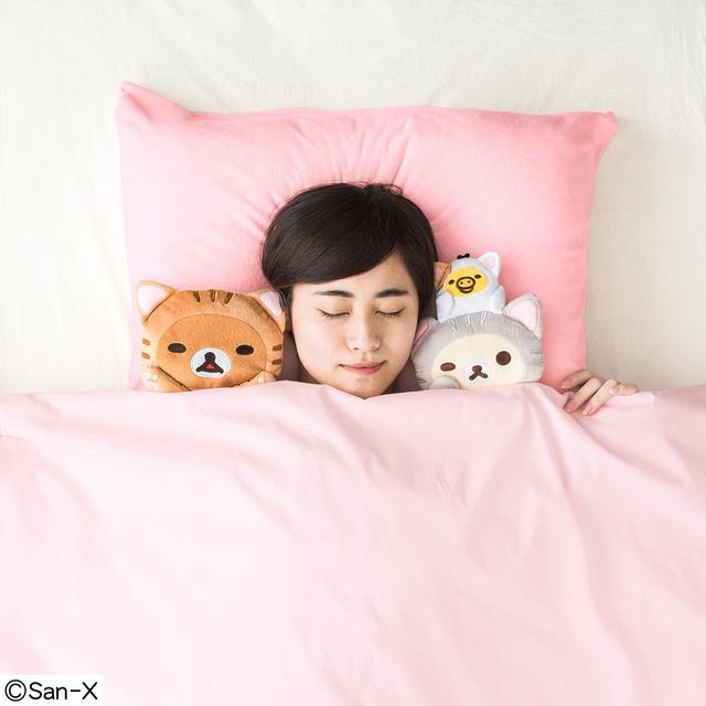 画像: 猫部 meets リラックマ 枕カバー付き至福の添い寝ぬいぐるみセット|フェリシモ