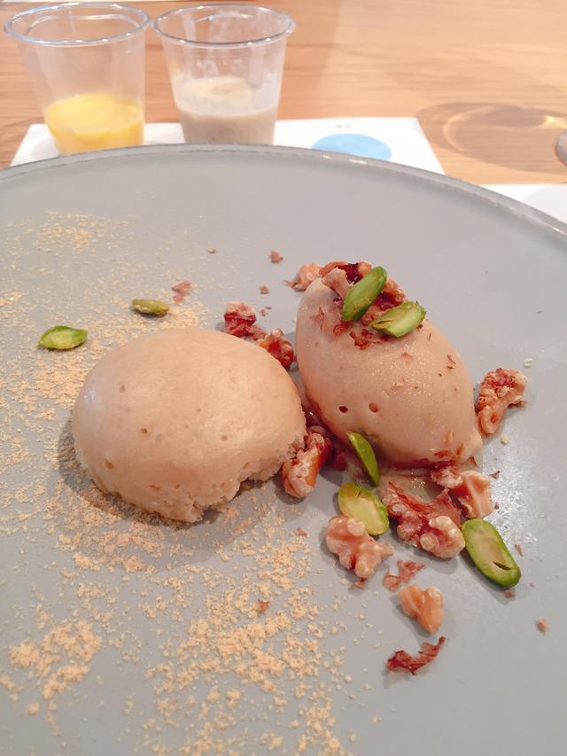 画像: 「カルピス」と味噌のブレンドソルベ 豆乳の蒸しケーキ