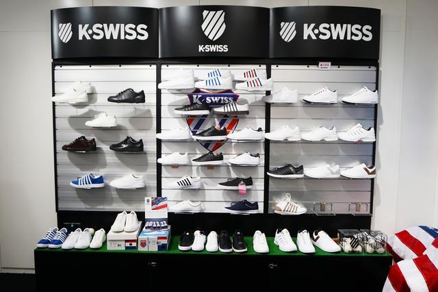 画像: 「K・SWISS」の今シーズンのシューズが展開。