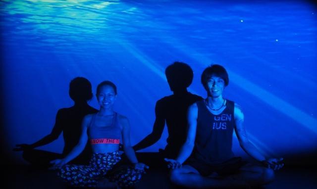 画像2: 海の日特別企画「深海ヨガ」が2週間限定開催へ!