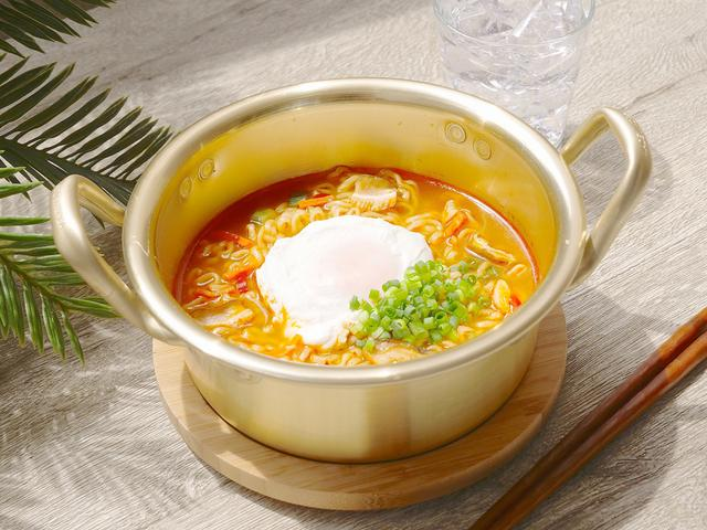 画像1: 「辛ラーメンBeach Restaurant」が片瀬東浜海水浴場内の海の家にオープン!