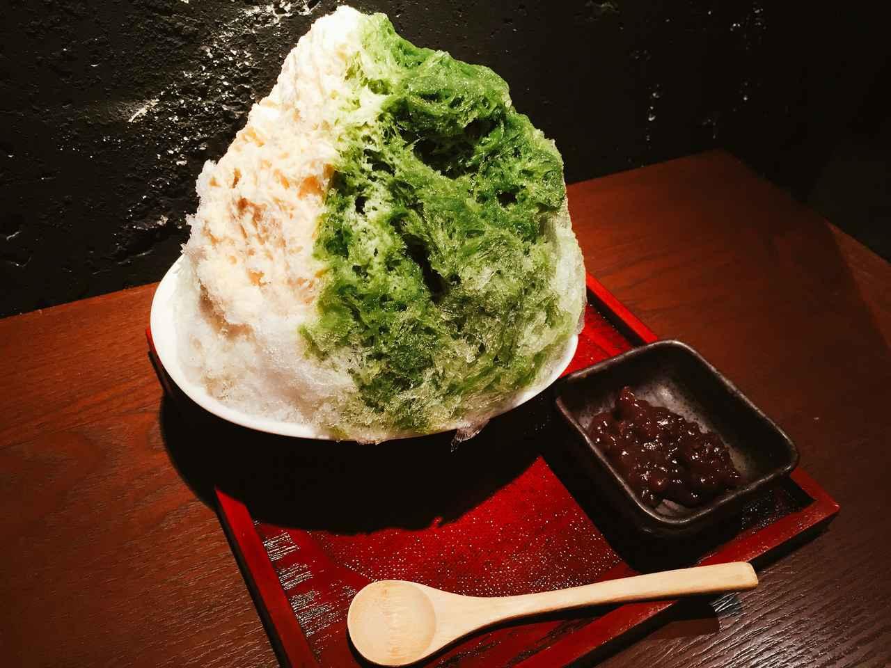 画像: 人気の抹茶かき氷が「生姜屋 黒兵衛」にも登場です。濃厚な京都宇治抹茶のシロップと3時間かけて作るお店自家製の練乳にあずきを添えました。 ほろ苦い抹茶と練乳ミルクの甘みが抜群の相性を奏でる「京都宇治抹茶ミルク」は抹茶好きにはたまらないかき氷です。