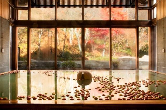 画像: りんごの甘い香りが漂う秋の季節湯「りんご湯」開催
