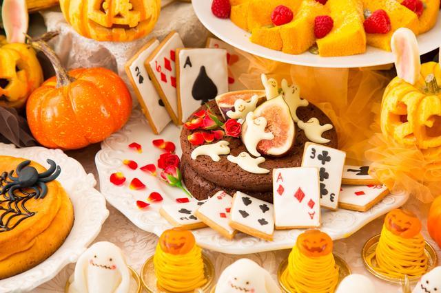 画像2: 大人かわいいフォトジェニックな邸宅で楽しむ、一日限定のデザートブッフェ!『アリスのハロウィンパーティー』開催