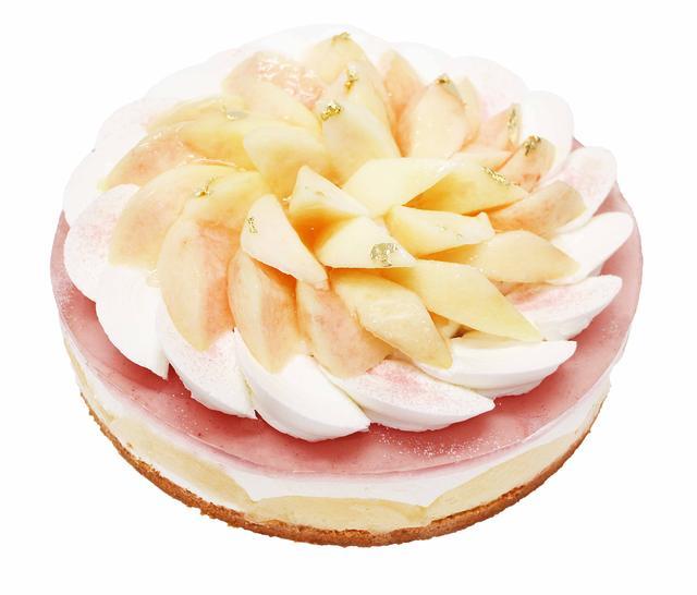 画像: 白桃のレアチーズケーキ 濃厚なレアチーズケーキの中に白桃をごろごろと入れました。甘みの強い白桃と、クリームチーズの酸味が絶妙にマッチしたケーキです。