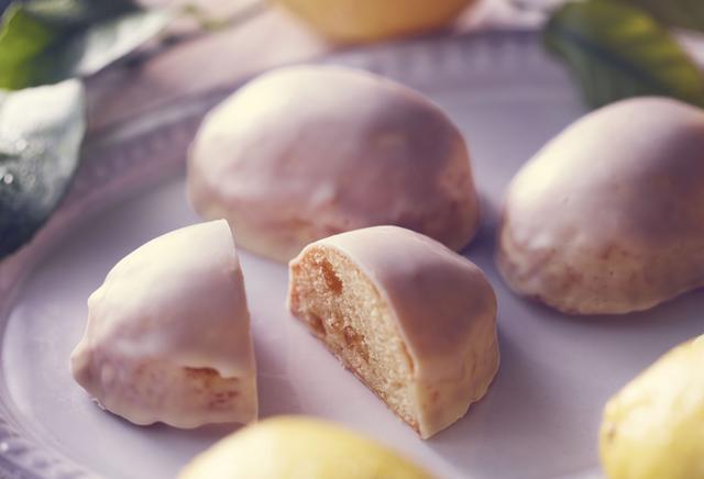 画像: レモンの爽やかな香りとしっとりとしたスポンジ生地が楽しめる「レモンケーキ」