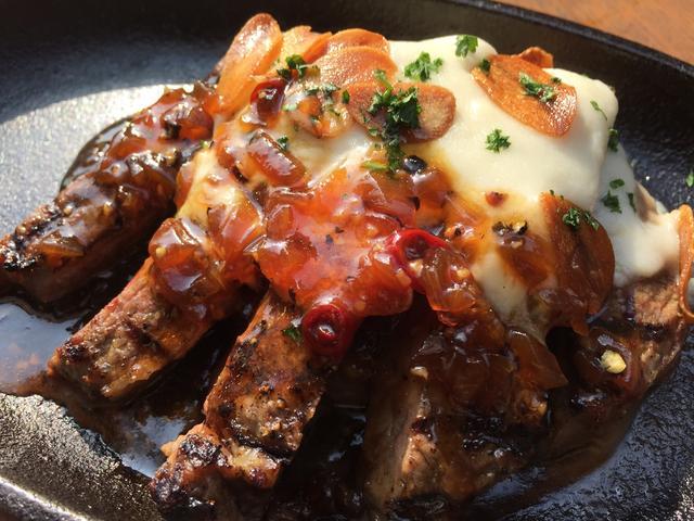 画像: ビストロ ボアドック/希少赤身肉 カイノミの男前にんにくステーキ