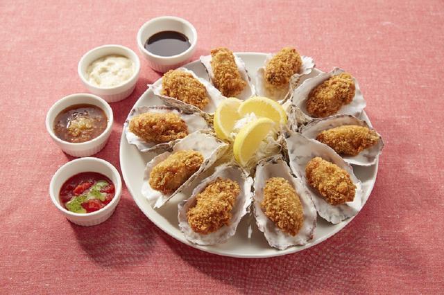 画像: 広島産10個の牡蠣フライ 貝殻盛り~4種のソース添え~ 1,299円