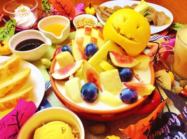 画像: 【ハロウィン限定】新大久保にある女子に人気の蕎麦カフェからハロウィン限定スイーツ「メープルナッツミルクのフルーツ鍋」が登場!