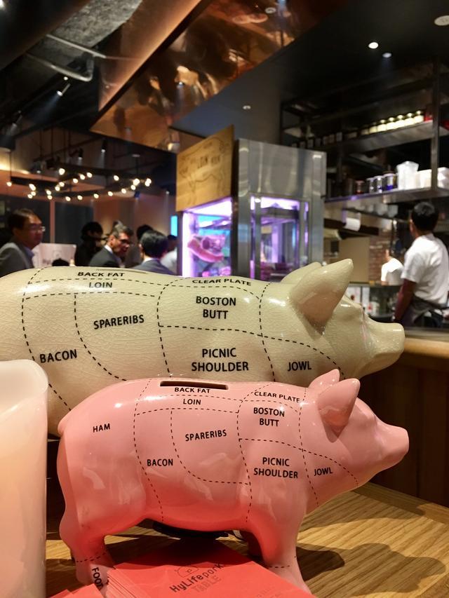 画像1: 日本人に向けて特別に育てられた三元豚!