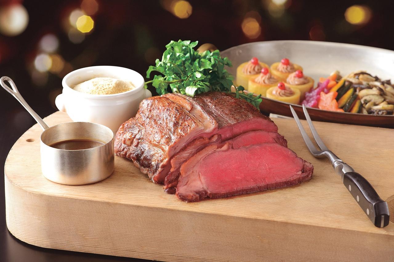 画像: Roast Beef (ローストビーフ) 彩り野菜/ホースラディッシュ/グレービーソース ¥28,000 (6名様用・約1.2kg)