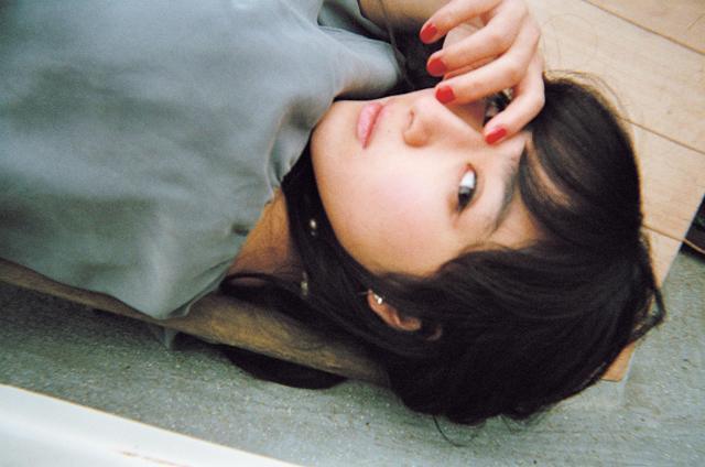 画像: 平祐奈 1998年11月12日生まれ。兵庫県出身。O型。'11年に女優デビュー。「もしもツアーズ」(フジテレビ系)に準レギュラーとして出演中。映画「未成年だけどコドモじゃない」(12/23公開)、「honey」('18年春公開)など出演作が多数控える。