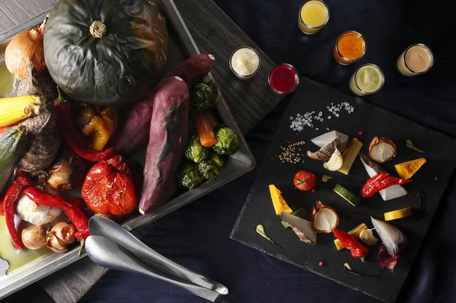 画像: ≪カスタムメイド例≫ ※メニューはイメージです。季節やテーマにより変更となります。 <お好きなコンディメントで味わう季節野菜> オリジナルソースやソルト、オイルなどお野菜によって使い分けて愉しめる充実のコンディメント。