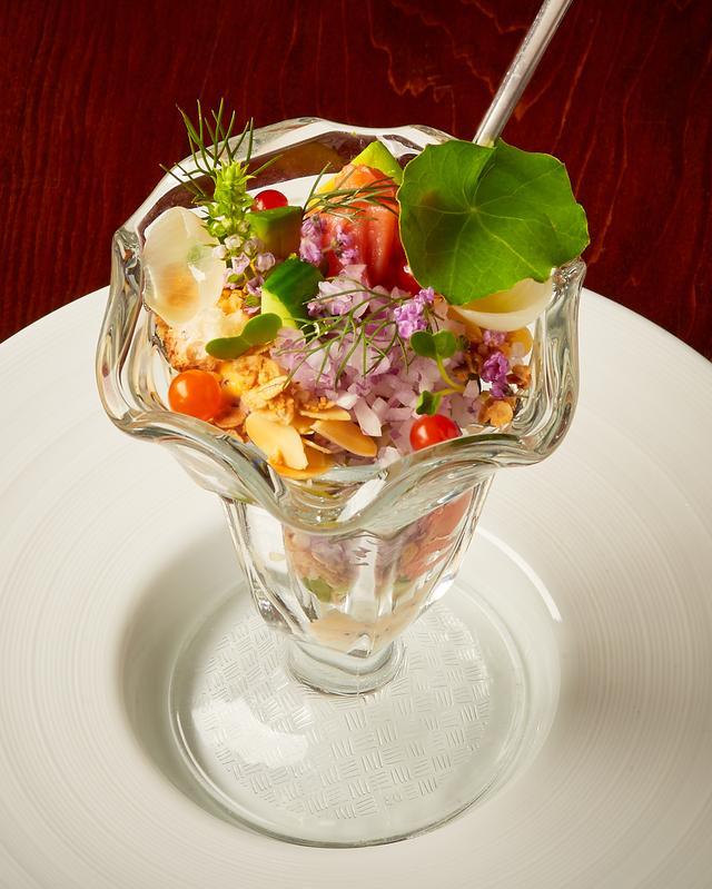 画像: 『鰹の冷菜パフェ』と実は秋が旬である『鰻』がメインの10月限定コース