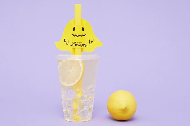 画像: 商品名 :ブルックリンレモネード 価格  :330円(税込) 商品特徴:自家製レモンシロップがたっぷり入った、さわやかなおいしさ。 ハロウィン限定のタグ付き!タグは2種類からお選びいただけます。