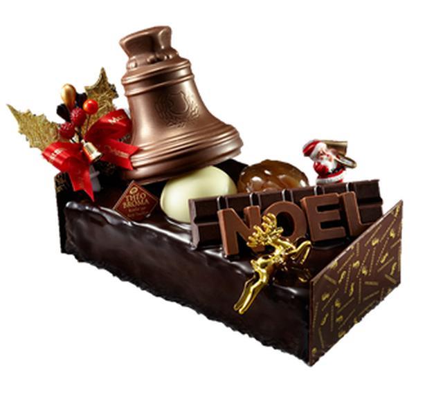 画像: 小田急限定 『ミュゼ ドゥ ショコラ テオブロマ』ノエル ファンタジー(長さ約15cm) 4,806円【限定140台】 小麦粉を使用していないチョコレートスポンジと、クリームチーズを使用したフロマージュクリームを何層にも重ねました。クリスマス気分を引き立てるチョコレートのベルを飾って。
