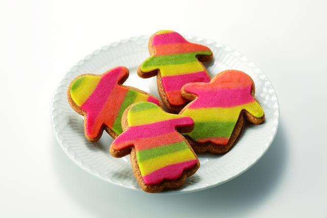 画像: 『トロワグロ』ファントムクッキー 250円/1枚<販売中~数量限定> ミックススパイスを効かせた飽きのこない甘さとザクザクとした食感も楽しめる、カラフルなファントム型がかわいいクッキーです。