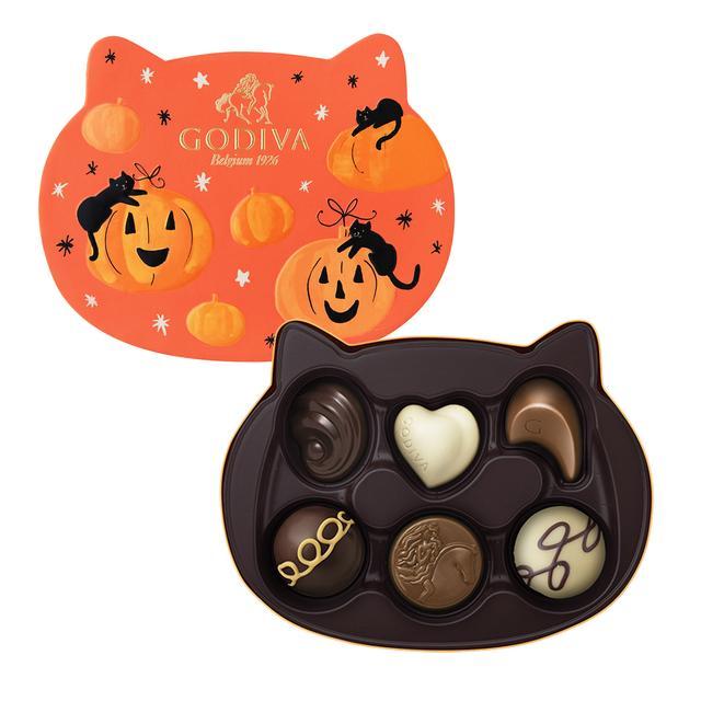 画像: 『ゴディバ』コレクションマジック キャットアソートメント 2,700円/1箱(6粒入り)<販売中~数量限定> キャラメルとシーソルトのガナッシュをダークチョコレートで包んだハロウィン限定トリュフのほか、定番チョコレート6種の詰め合わせ。ねこモチーフの限定BOX入りです。