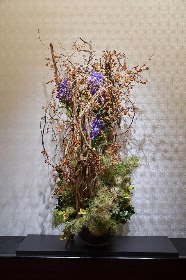 画像2: 紅葉から秋の七草まで 秋の草花が文化財に咲き乱れる…