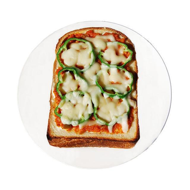 画像: ■ピザトースト 420円(税込) 店内仕込みの食パンを厚めにスライスし、ソイミートを使った手作りのソイミートソースとチーズをたっぷりかけて焼き上げました。具材たっぷりのソイミートソースはボリューム満点です。