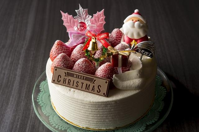 画像1: 苺を丸ごと贅沢にサンドしたクリスマスケーキが今年も登場!
