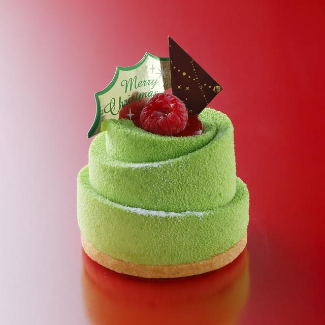 画像: <新作/小物>クリスマスツリー  価格¥600 ※お酒使用 雪の積もったツリーをイメージしたピスタチオのムース。