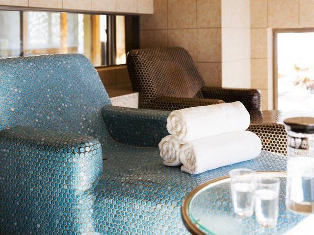 画像2: 大浴場貸切でたっぷり温泉を堪能 スタッフの入浴指南付き