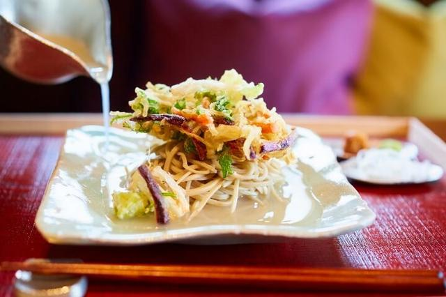 画像: 大根の絞り汁で食べる蕎麦ランチ