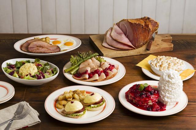 画像: Eggs 'n Thingsからクランベリーをふんだんに使用した感謝祭メニューが登場