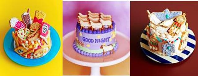 画像: アニバーサリー 赤と白のキャンドルのケーキ バレンタインのカップケーキ ハートのプレゼントボックスのケーキ Easter 春のケーキ Wedding サムシングブルーのケーキ Fourth of July フラッグケーキ Halloween ハロウィンのケーキ Christmas 夜の街の広場のケーキ クリスマスパーティーのケーキ 星と雪のケーキ クリスマスのオーナメントクッキー 自然のもの Flower ラプンツェルカラーの花のケーキ ひまわりのケーキ 白い花のケーキ Ocean ビーチのケーキ マーメイドのケーキ 動物たち ユニコーンのケーキ バンビときのこのケーキ フラミンゴのケーキ ひつじのケーキ サンダーバードのケーキ 私の好きなもの お菓子のケーキ メリーゴーランドのケーキ ジャンクフードのケーキ 二コちゃんのケーキ バルーンのケーキ おとぎの国 アリスのケーキ シンデレラのケーキ 真っ白のケーキ ランドスケープ ハワイのアイスクリーム屋さんのケーキ サルベーションマウンテンのケーキ メキシコのケーキ 宇宙のケーキ レインボーのケーキ Column お菓子作りの道具 アイシングクッキーコレクション ハートとラブバードのクッキー メッセージクッキー スクエアなクッキー オーダーケーキの道具と材料 アイシングクッキーコレクション カラフルな花のクッキー オーダーケーキのカタログノートから