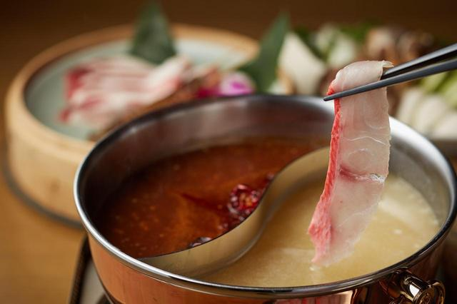 画像: 米麹をつかったコラーゲンスープとピリ辛の麻辣スープの「発酵美人火鍋」で美容と健康を!